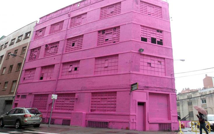 Dos Arquitectos Aragoneses llenan de color Bilbao