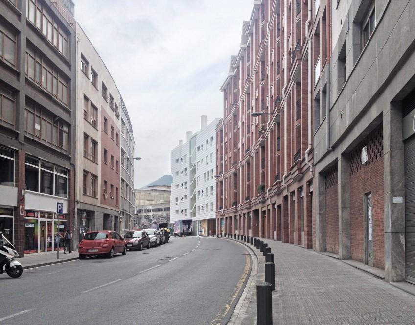 El edificio de viviendas en régimen de cooperativa en Ametzola, Bilbao, Glas Eraikuntza ya cobra vida.